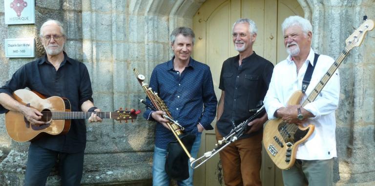 1_Concert de uillean pipe à la chapelle de Mangolerian