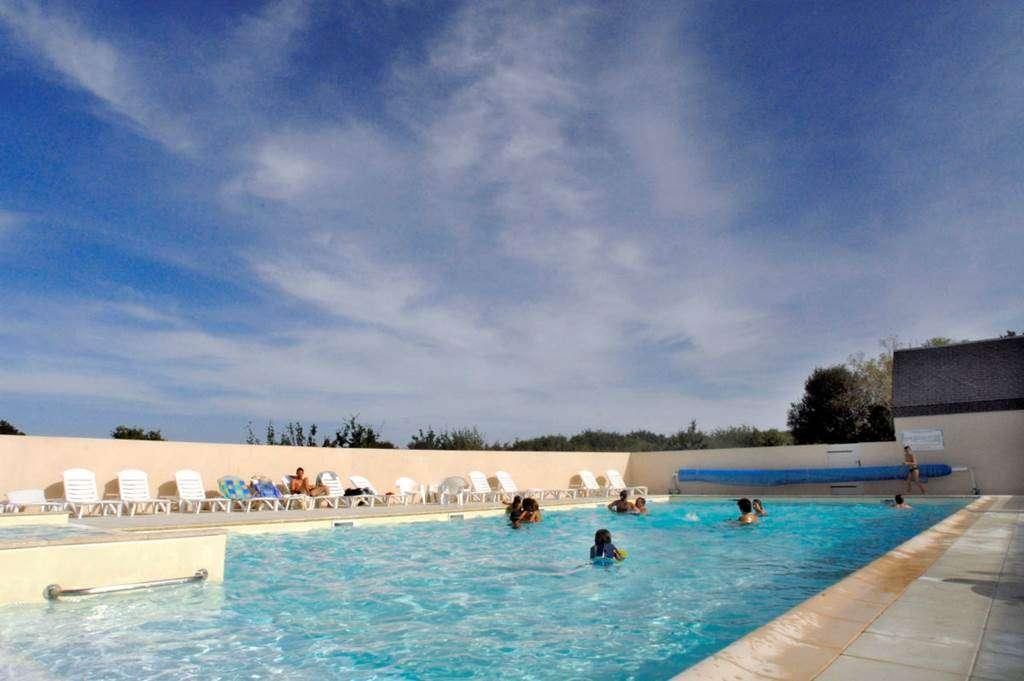 Piscine-Village-Vacances-Ty-An-Diaoul-Sarzeau-Presqule-de-Rhuys-Golfe-du-Morbihan-Bretagne-sud0fr