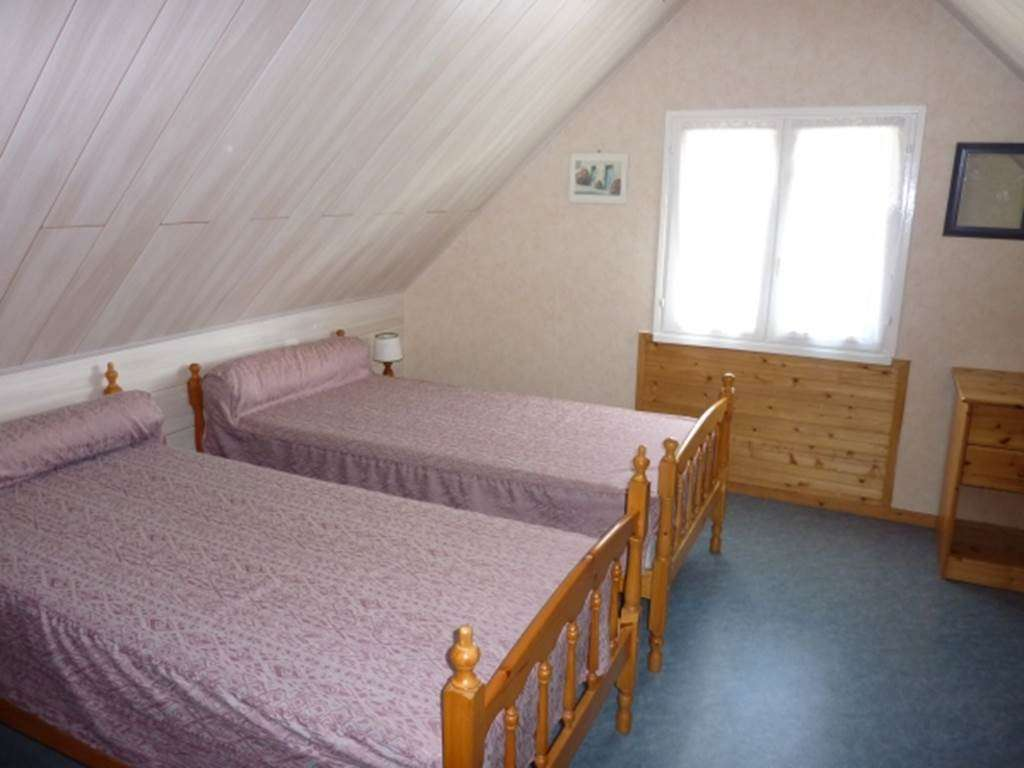 LE-YONDRE-Roger---Maison-Saint-Gildas-de-Rhuys-chambre---Morbihan-Bretagne-Sud2fr