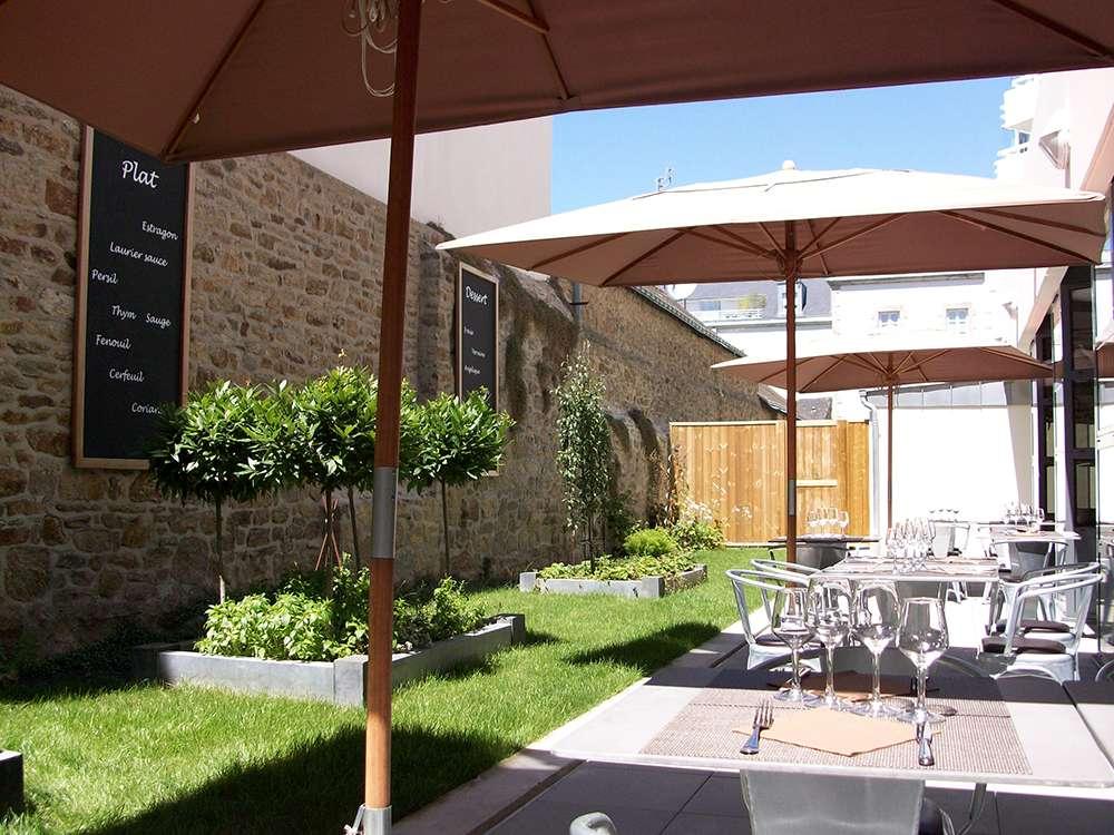 7_Restaurant Le Patio Sainte-Anne