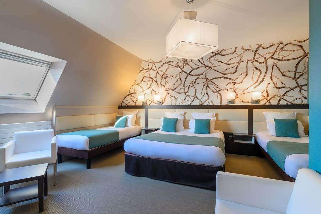 chambre-familiale-quadruple-htel-la-Marbaudire-Vannes-centre17fr