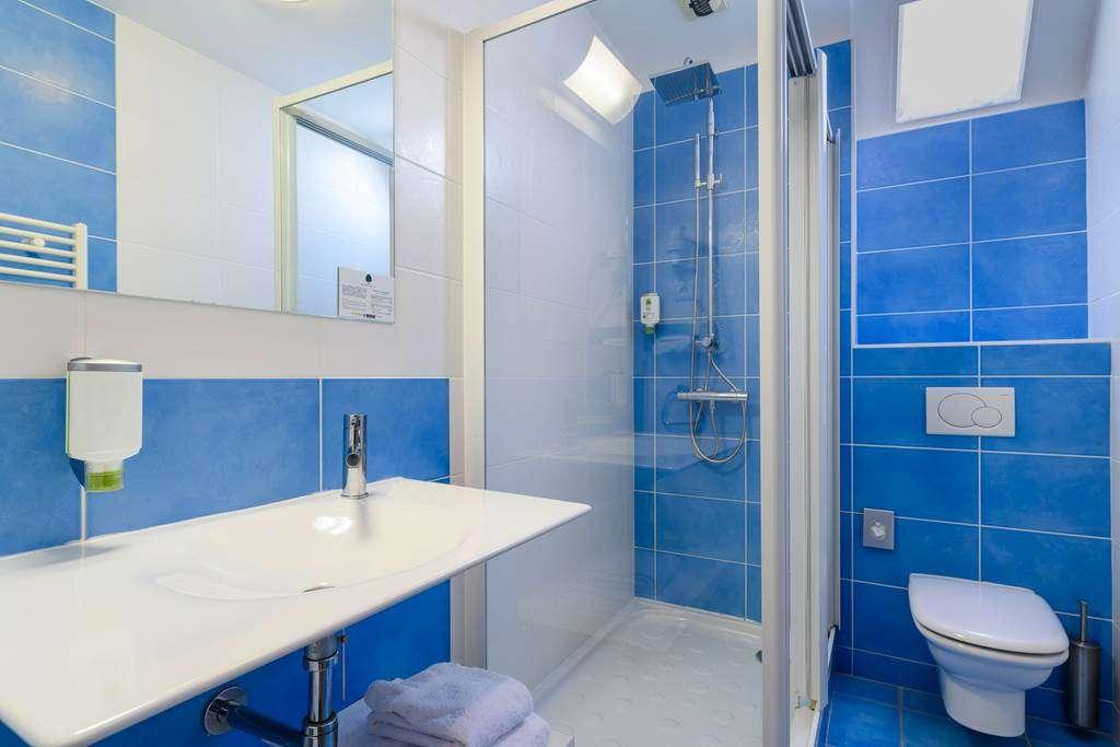 salle-de-douche-htel-la-Marbaudire-Vannes-centre16fr