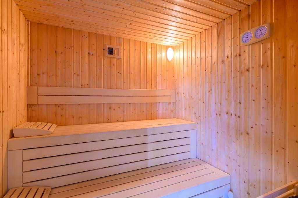 sauna-htel-la-marebaudiere-vannes8fr