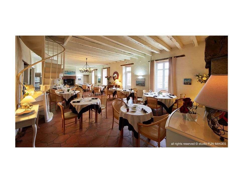 Salle-Restaurant-Le-Manoir-de-Kerbot-Sarzeau-Presqule-de-Rhuys-Golfe-du-Morbihan-Bretagne-sud2fr