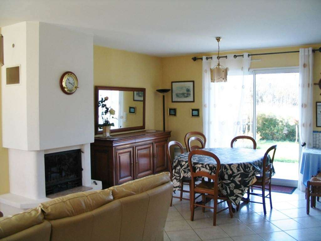 BEVEN-Jocelyne-salon---Maison-Saint-Gildas-de-Rhuys---Morbihan-Bretagne-Sud1fr