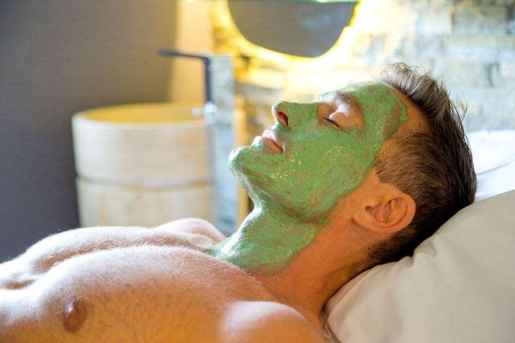 Masque-Visage-Spiruline-Homme-Miramar-La-Cigale-Thalassothrapie--Spa-Arzon-Presqule-de-Rhuys-Golfe-du-Morbihan-Bretagne-sud13fr