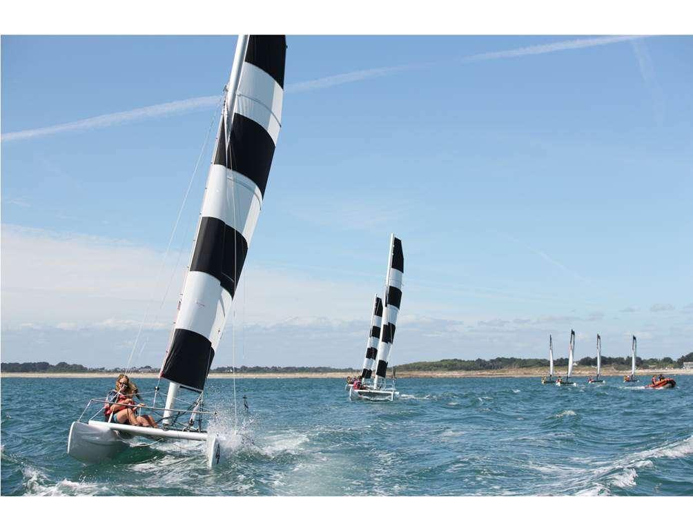 Club-Nautique-du-Rohu---Cours-de-catamaran-Dart-160fr