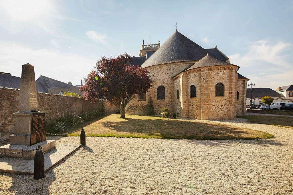 Abbatiale-de-Saint-Gildas-de-Rhuys---Morbihan---Bretagne-Sud0fr