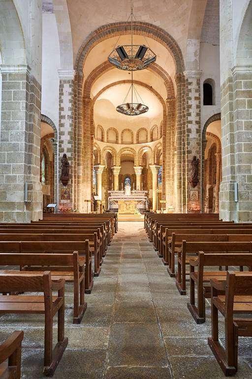 Abbatiale-de-Saint-Gildas-de-Rhuys---Morbihan---Bretagne-Sud5fr