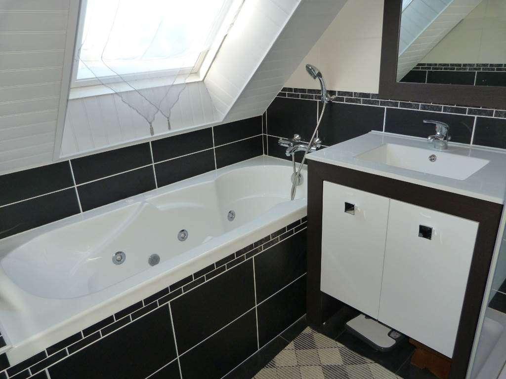 Houat-Appartement-Rabot-Corinne-Salle-de-Bain-Arzon-Presqule-de-Rhuys-Golfe-du-Morbihan-Bretagne-sud12fr