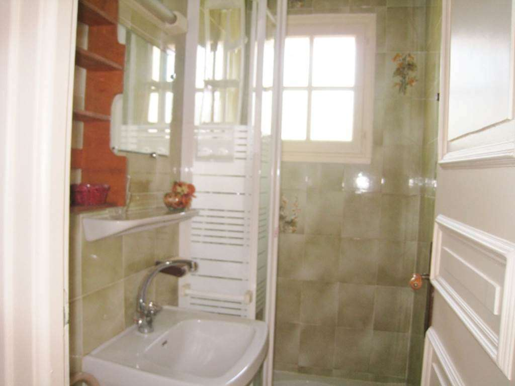 LE-FUR-Marie-Aurlie---Appart-Saint-Gildas-de-Rhuys-salle-de-bains---Morbihan-Bretagne-Sud3fr