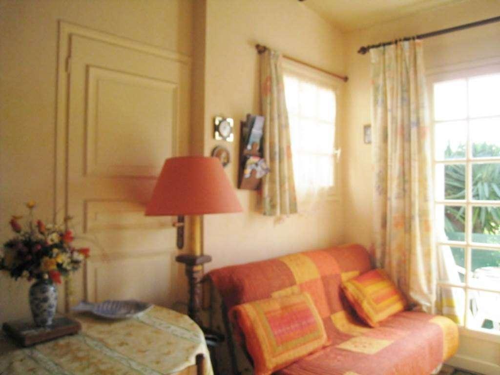 LE-FUR-Marie-Aurlie---Appart-Saint-Gildas-de-Rhuys-salon---Morbihan-Bretagne-Sud1fr