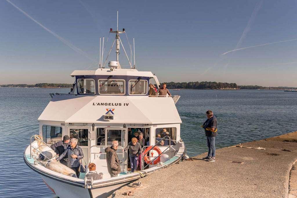 Vedettes-lAnglus-Locmariaquer-Morbihan-Bretagne-Sud-1112fr