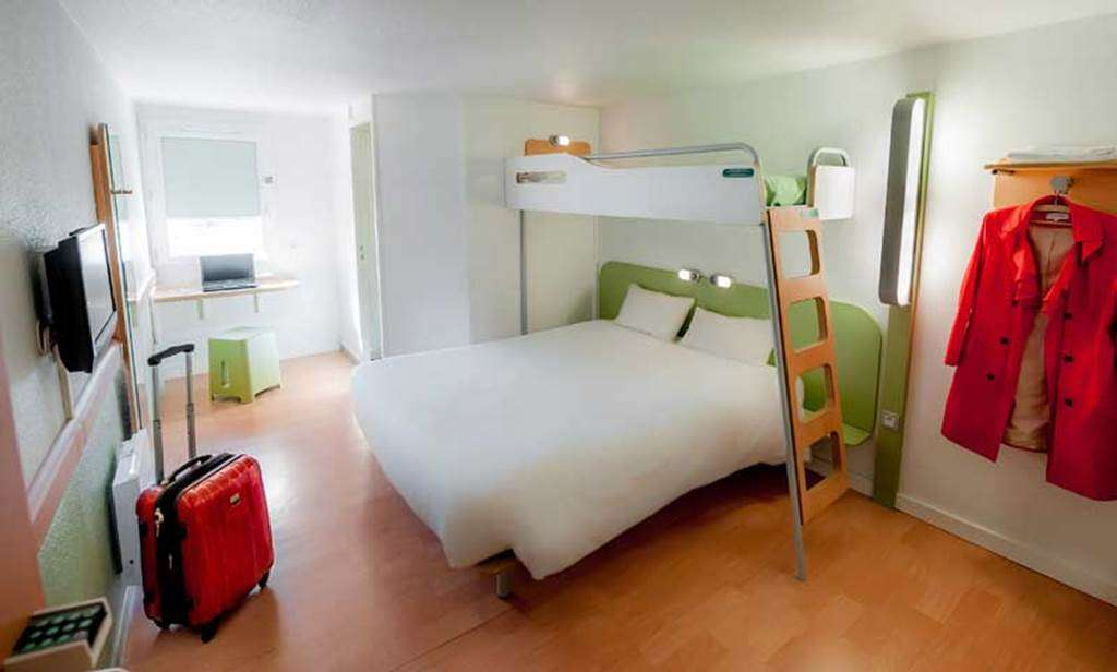 HOTEL-IBIS-BUDGET-VANNES-PLOEREN-CHAMBRE-TRIPLE-STANDARD8fr