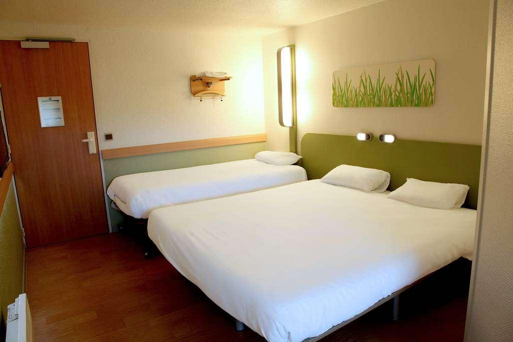 HOTEL-IBIS-BUDGET-VANNES-PLOEREN-CHAMBRE-TRIPLE15fr