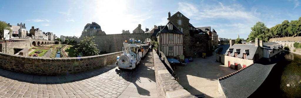 Petit-train-Touristique-Vannes-Golfe-du-Morbihan-Bretagne-Sud0fr