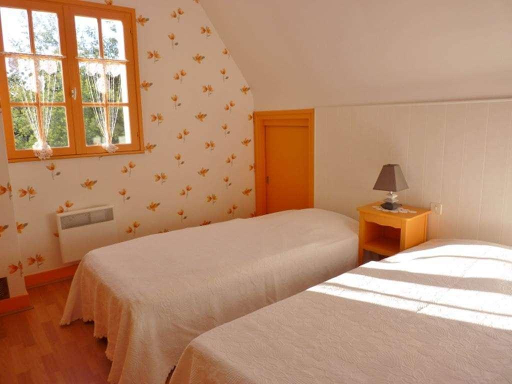 ALBERT-Chantal-chambre-une---Maison-SARZEAU---Morbihan-Bretagne-Sud4fr