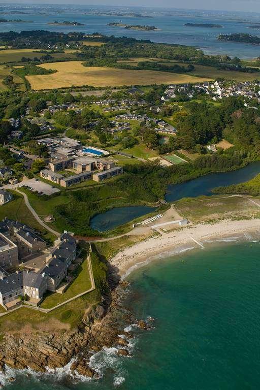 Village-Kerlannic-Vue-Plage-Arzon-Presqule-de-Rhuys-Golfe-du-Morbihan-Bretagne-sud0fr