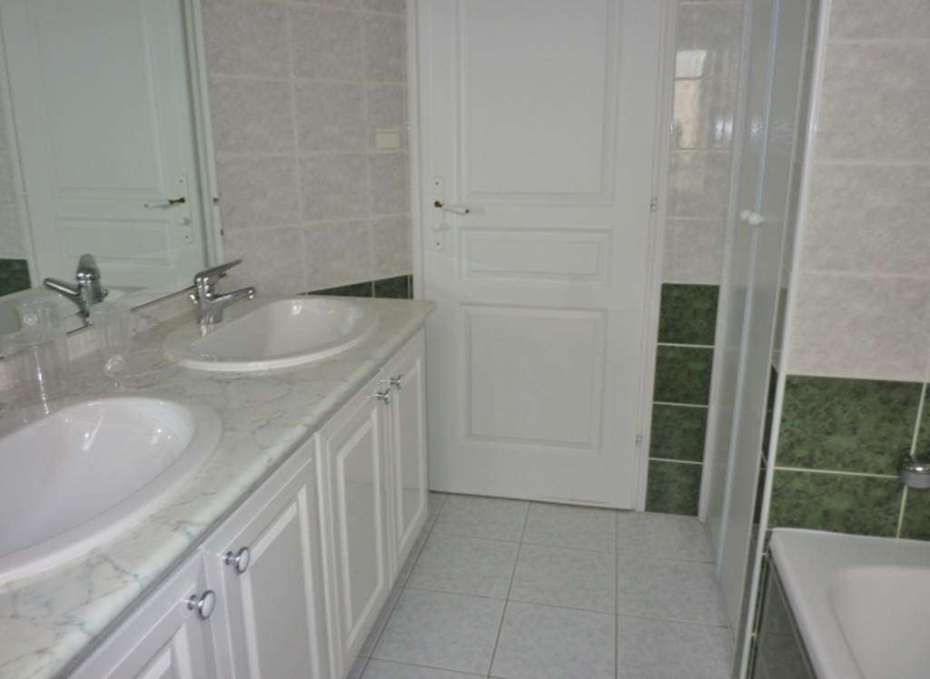 HAMONIC-Jean-Pierre---Maison-Sarzeau-salle-de-bains---Morbihan-Bretagne-Sud8fr