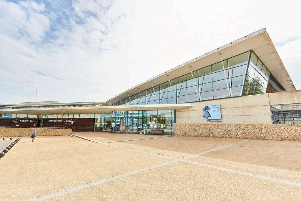 Centre-culturel-lhermine--Sarzeau---salle-de-spectacle---Presqule-de-Rhuys---Golfe-du-Morbihan0fr