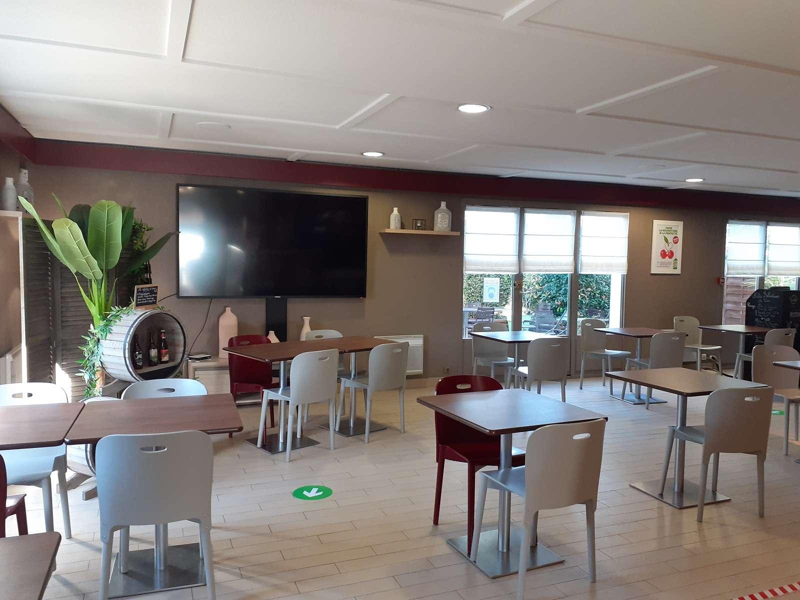 1_Restaurant Campanile