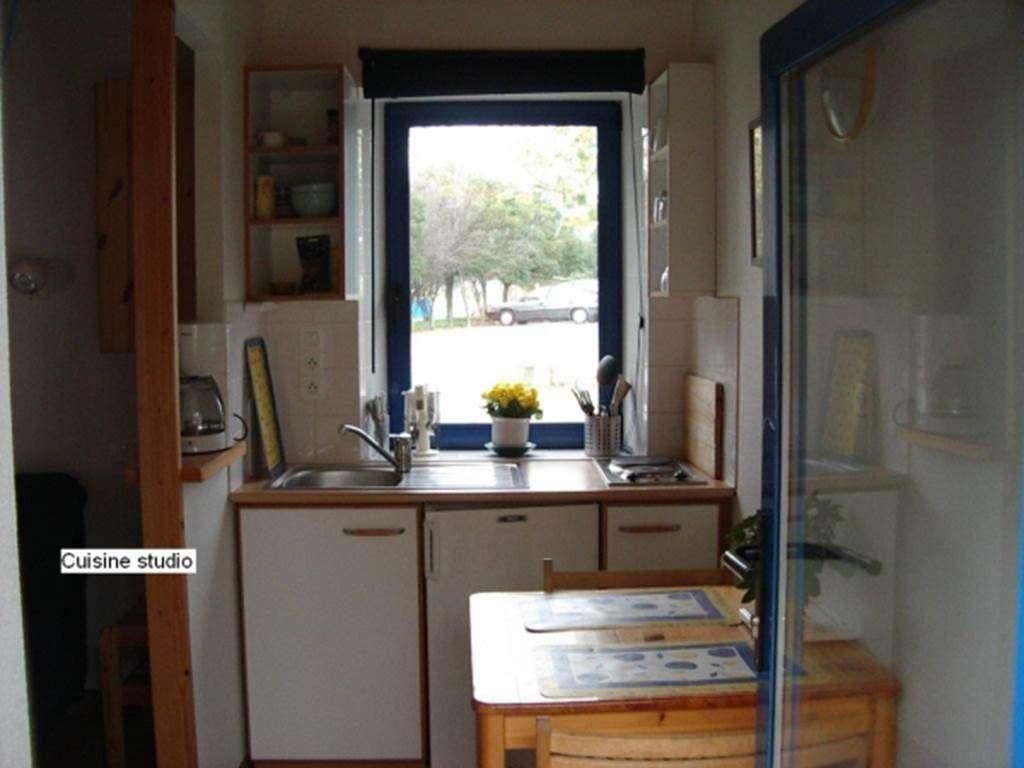 LEPOITTEVIN-Gilberte---Studio-Saint-Gildas-de-Rhuys-cuisine---Morbihan-Bretagne-Sud2fr