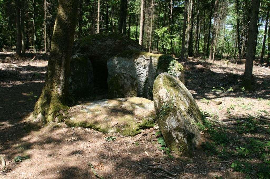Dolmen-de-Coeby2-Tredion-Morbihan-Bretagne-sud0fr