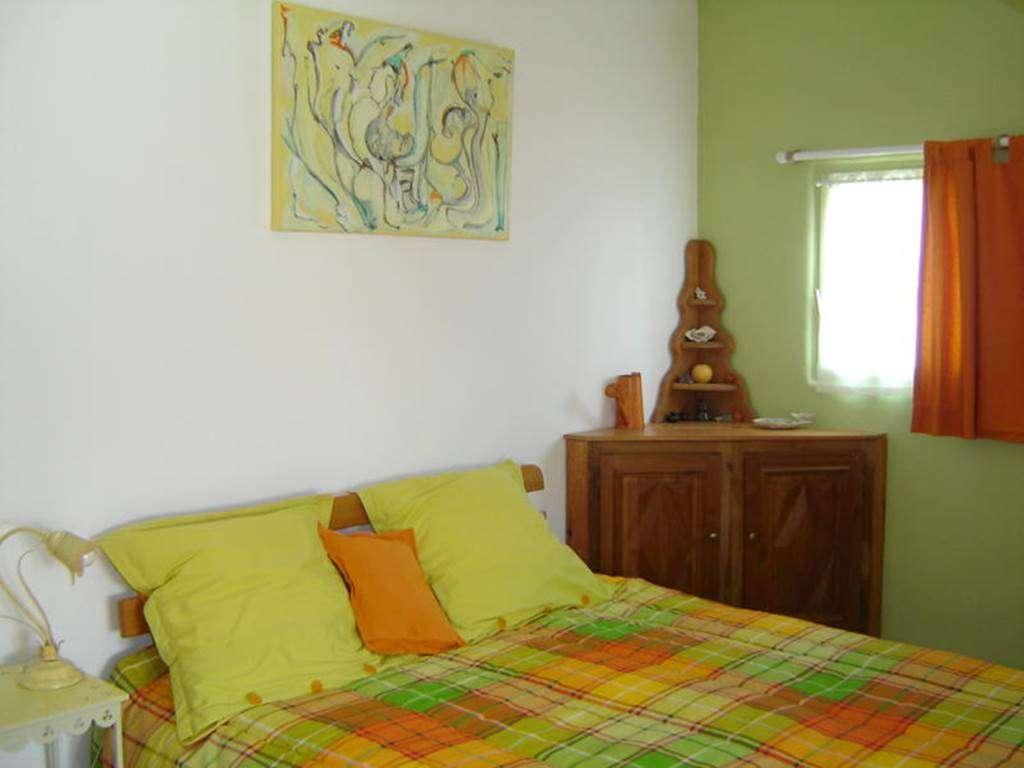 Chambre-lit-double-Chambre-d-hte-Couleur-Ocan-Mme-Lepin-Saint-Gildas-de-Rhuys-Morbihan-Bretagne-Sud3fr
