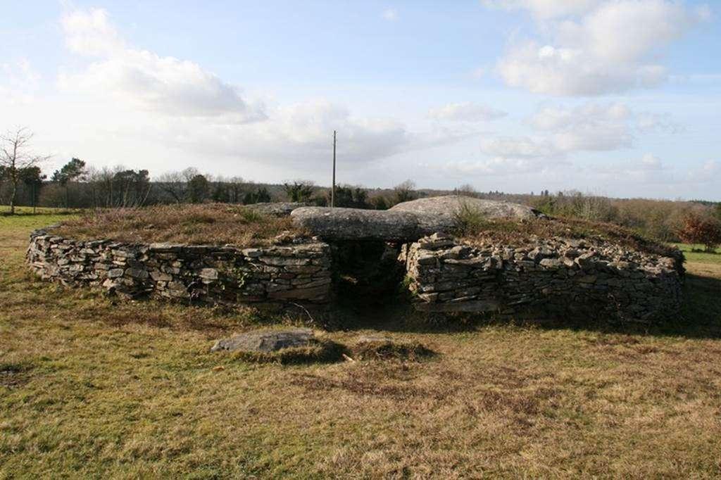 dolmen-de-Larcuste-Morbihan-bretagne-sud0fr