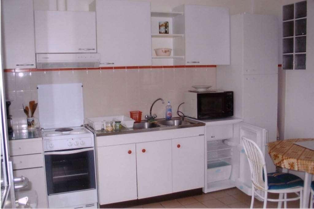JEUNE-Franoise-et-Robert---Studio-Saint-Gildas-de-Rhuys-cuisine---Morbihan-Bretagne-Sud1fr
