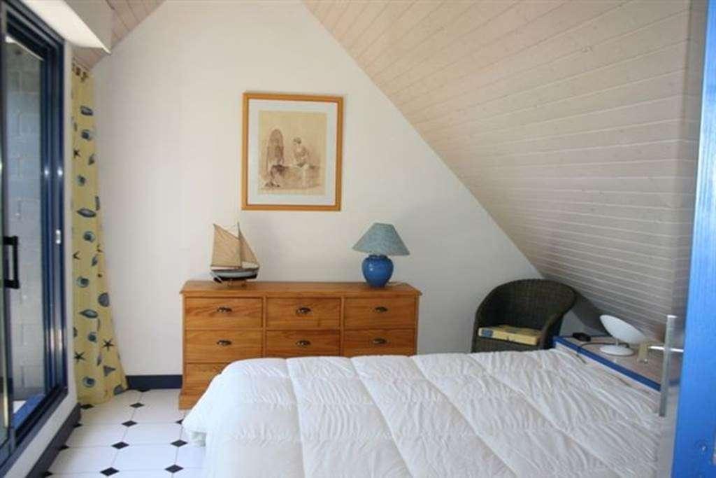 DORSO-Jean-Pierre---Maison-Sarzeau-chambre---Morbihan-Bretagne-Sud7fr