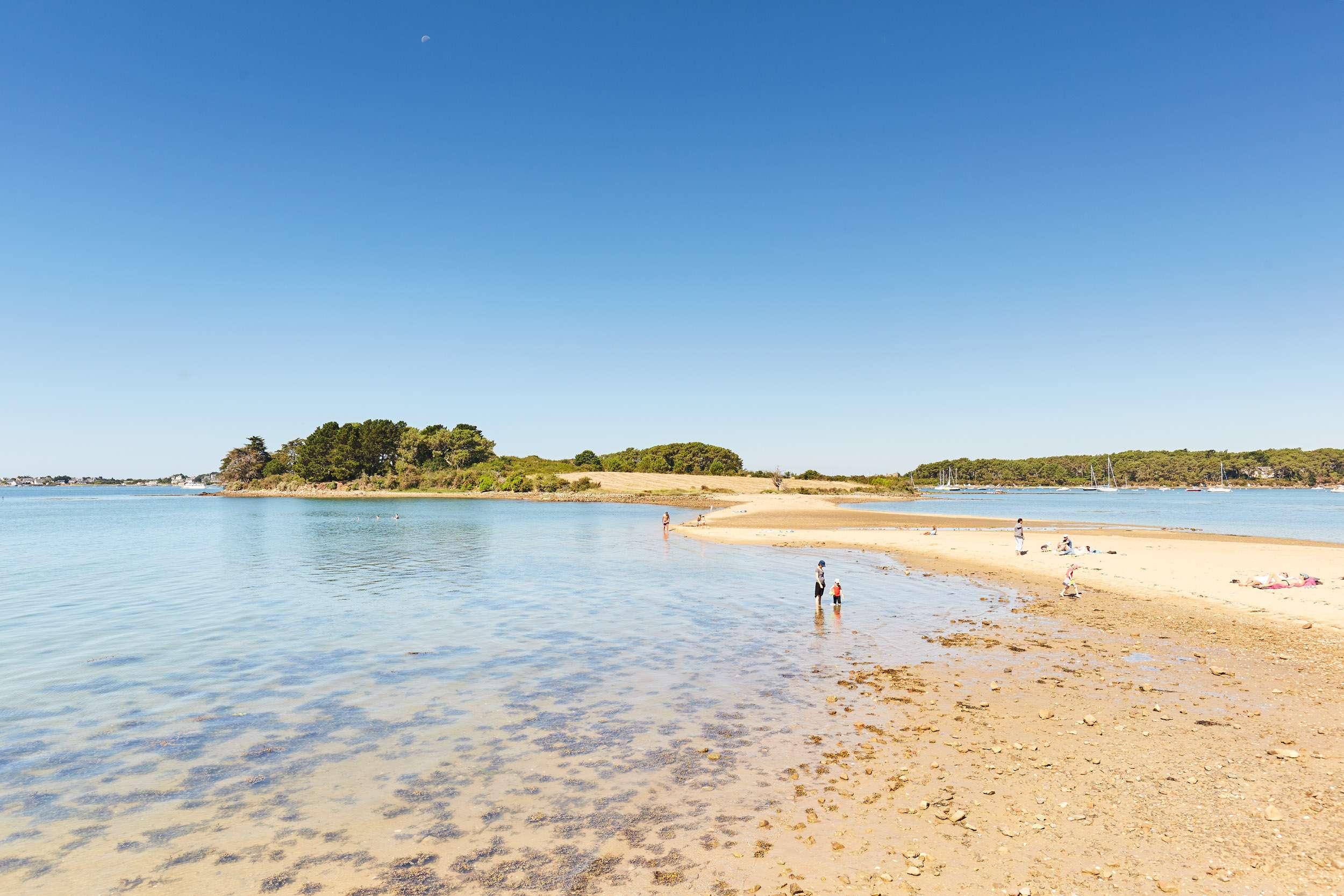 Plage-Les-7-les-Baden-Golfe-du-Morbihan-Bretagne-sud