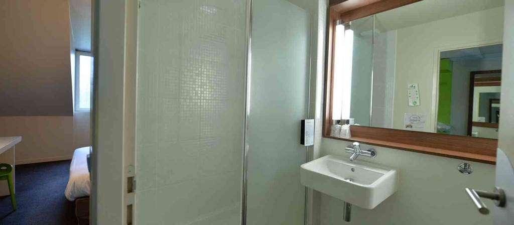 hotel-campanile-vannes-Morbihan-Bretagne-Sud-salledebains3fr