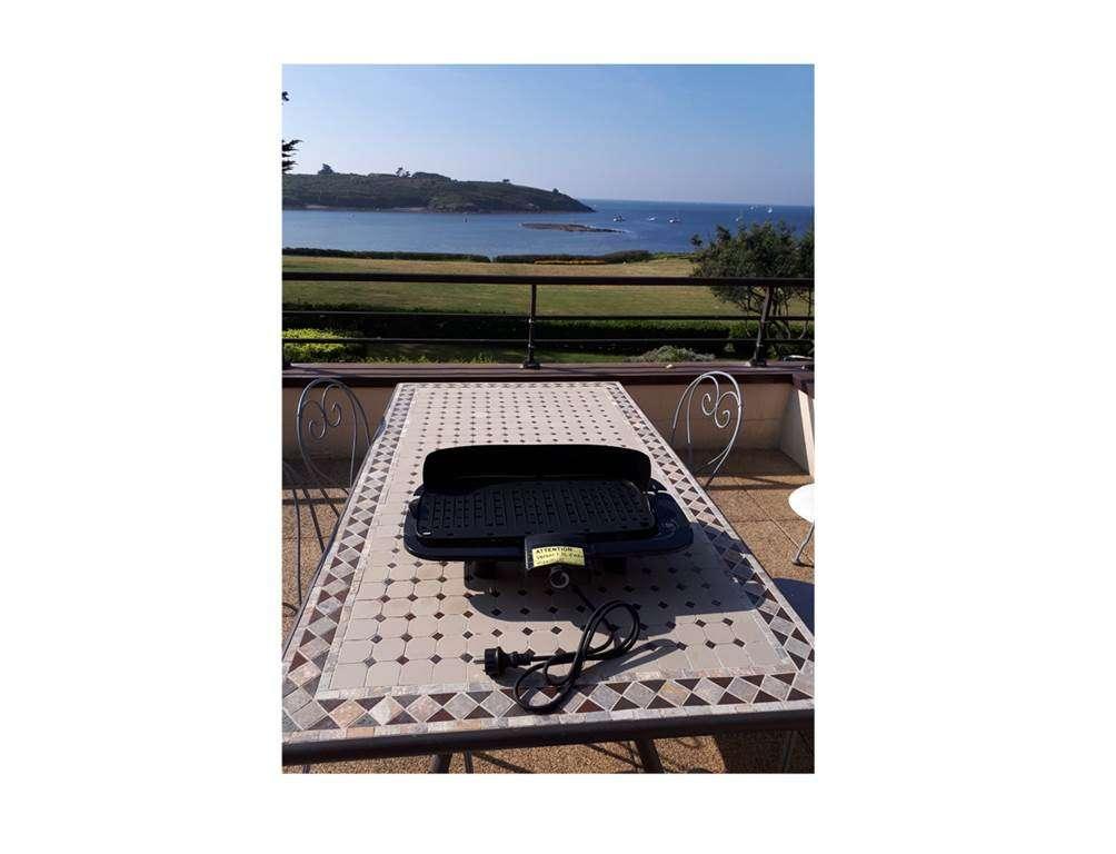 Appartement-Corinne-Rabot-Barbecue-Electrique-Arzon-Presqule-de-Rhuys-Golfe-du-Morbihan-Bretagne-sud15fr