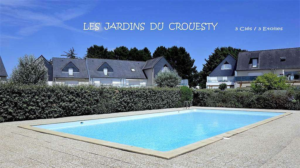 Chambre-lit-double-appartement-Zucco-Jean-Claude-arzon-morbihan-bretagne-sud5fr