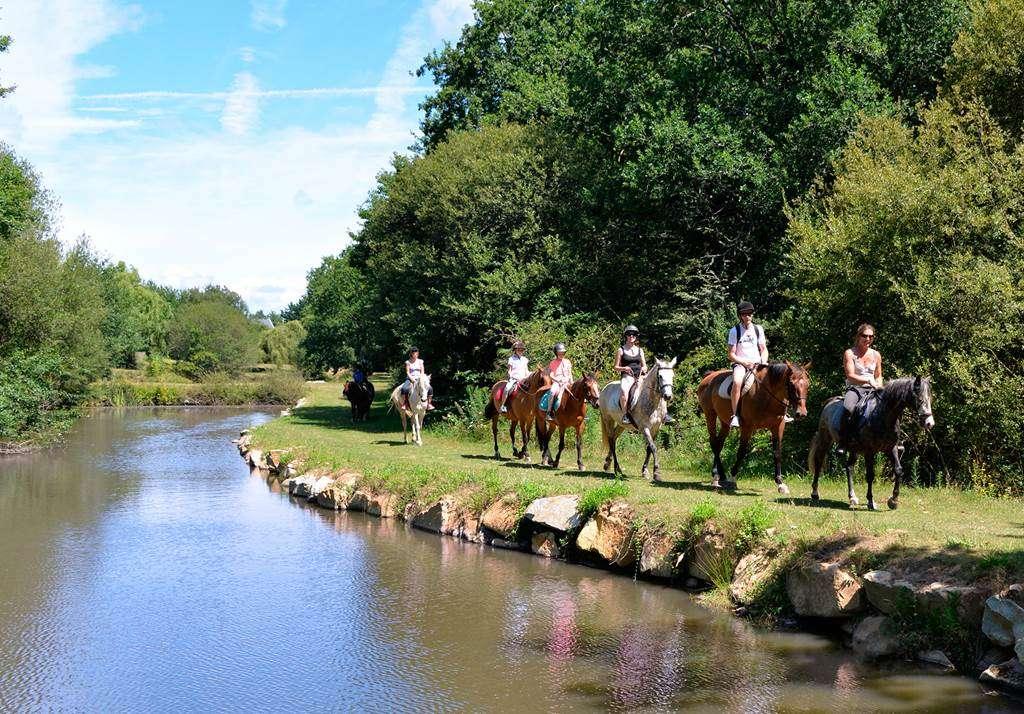 Centre-Equestre-Man-Guernehu-Baden-Golfe-du-Morbihan-Bretagne-Sud4fr