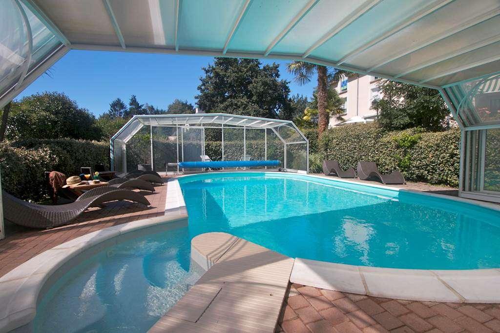 La-piscine-dcouverte-par-beau-temps1fr
