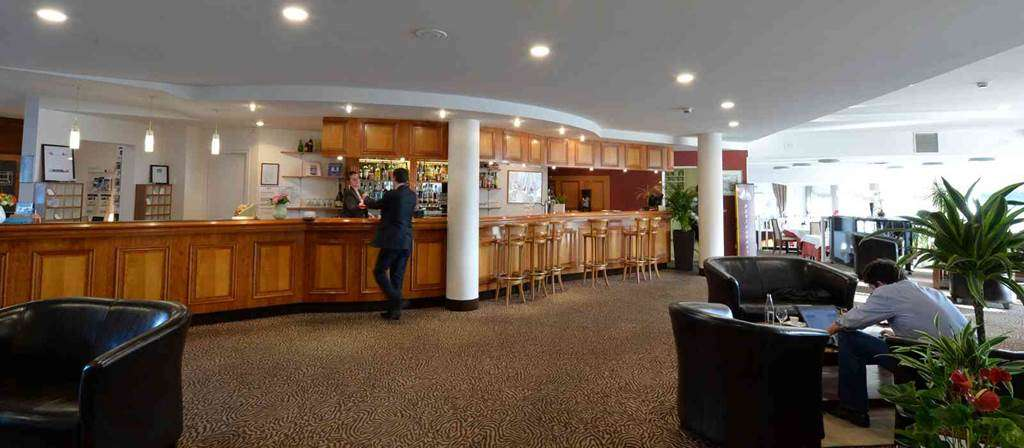 hotel-bestwesternleroof-vannes-Morbihan-Bretagne-Sud-reception11fr