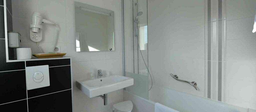 hotel-bestwesternleroof-vannes-Morbihan-Bretagne-Sud-salledebains9fr