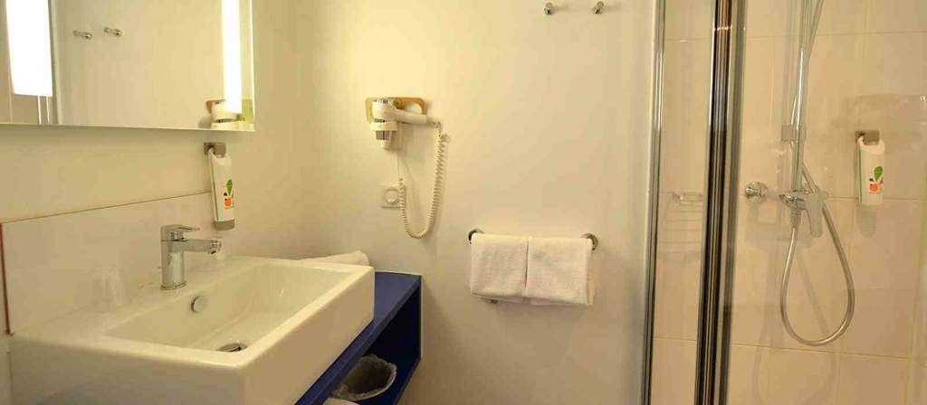 hotel-ibis-styles-vannes-salle-deau9fr