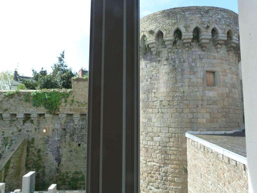 vue-des-remparts-de-vannes-depuis-certaines-chambres36fr
