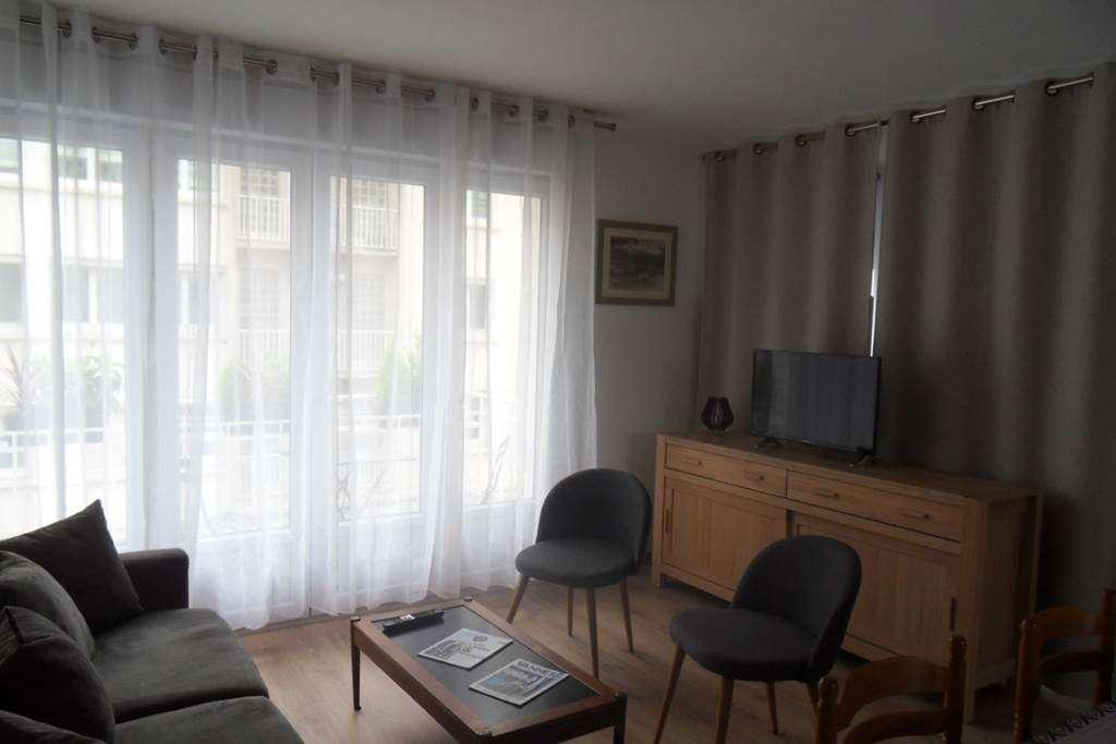 Clvacances---Meubl-056MS000062---Le-confort-dun-appartement-refait--neuf-coquet-lumineux-et-calme-dans-le-centre-ville-de-Vannes-avec-loption-garage-ferm---Vannes---Morbihan-Bretagne-Sud1fr