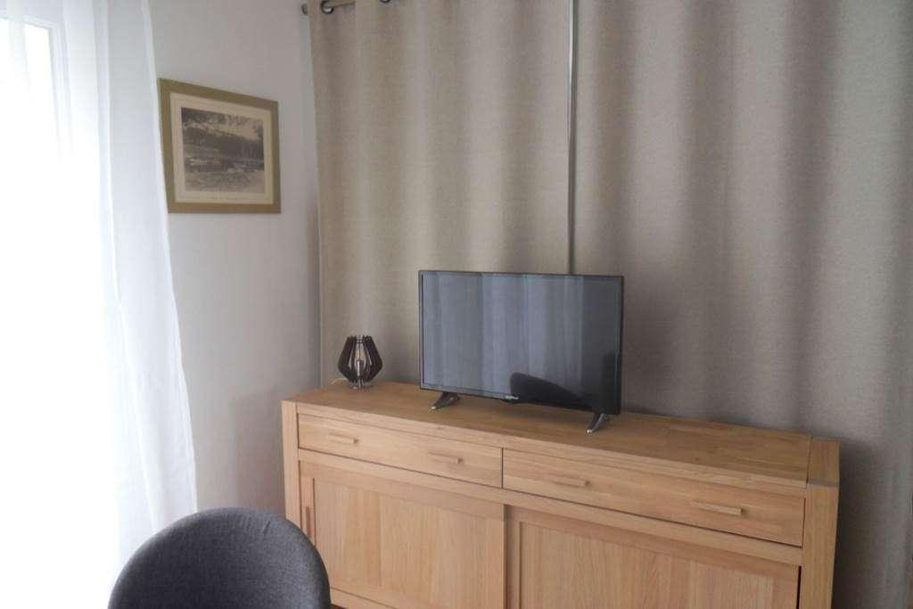 Clvacances---Meubl-056MS000062---Le-confort-dun-appartement-refait--neuf-coquet-lumineux-et-calme-dans-le-centre-ville-de-Vannes-avec-loption-garage-ferm---Vannes---Morbihan-Bretagne-Sud2fr
