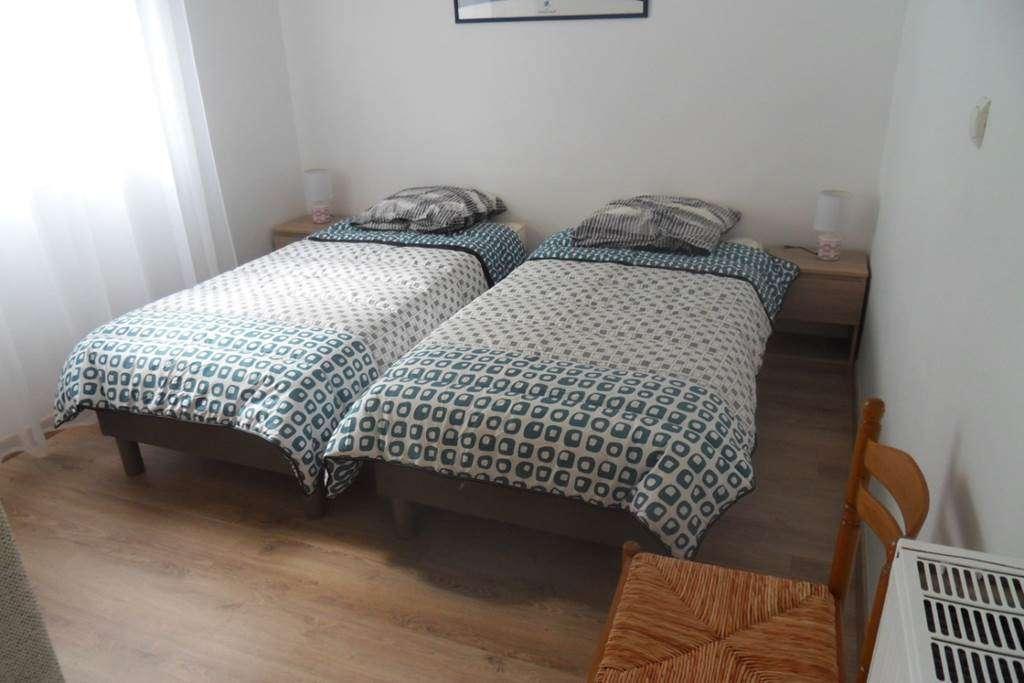 Clvacances---Meubl-056MS000062---Le-confort-dun-appartement-refait--neuf-coquet-lumineux-et-calme-dans-le-centre-ville-de-Vannes-avec-loption-garage-ferm---Vannes---Morbihan-Bretagne-Sud6fr