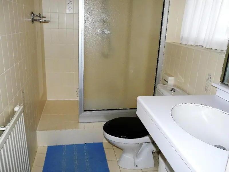 salle de douche meublé de tourisme Carnac