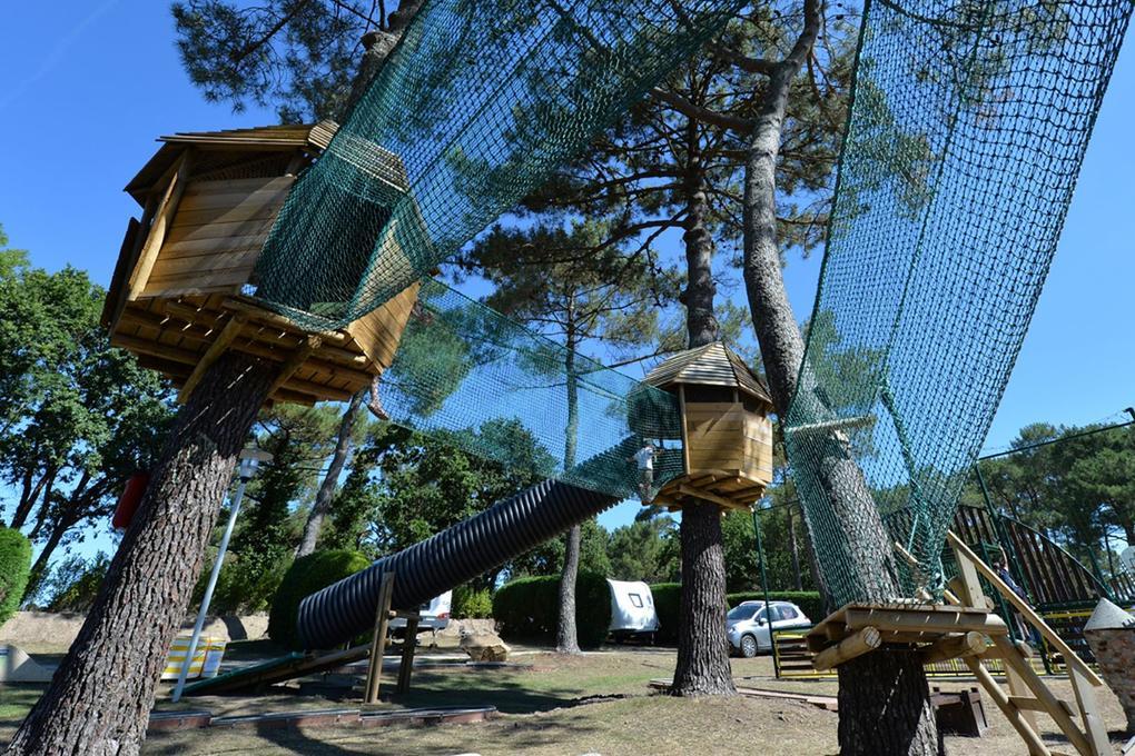 cabanes_arbres_camping-le-moulin-de-kermaux_carnac