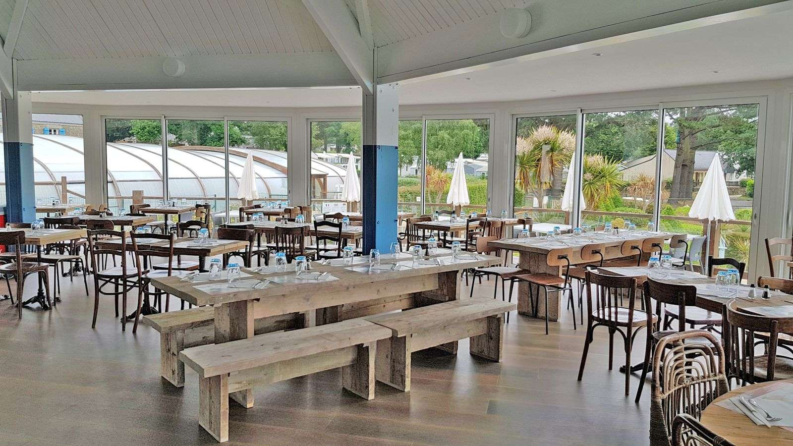 restaurant_table_hebergement_camping-la-grande-metairie_carnac