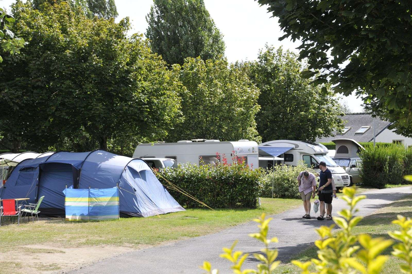 emplacement-tente_hebergement_camping-les-druides_carnac