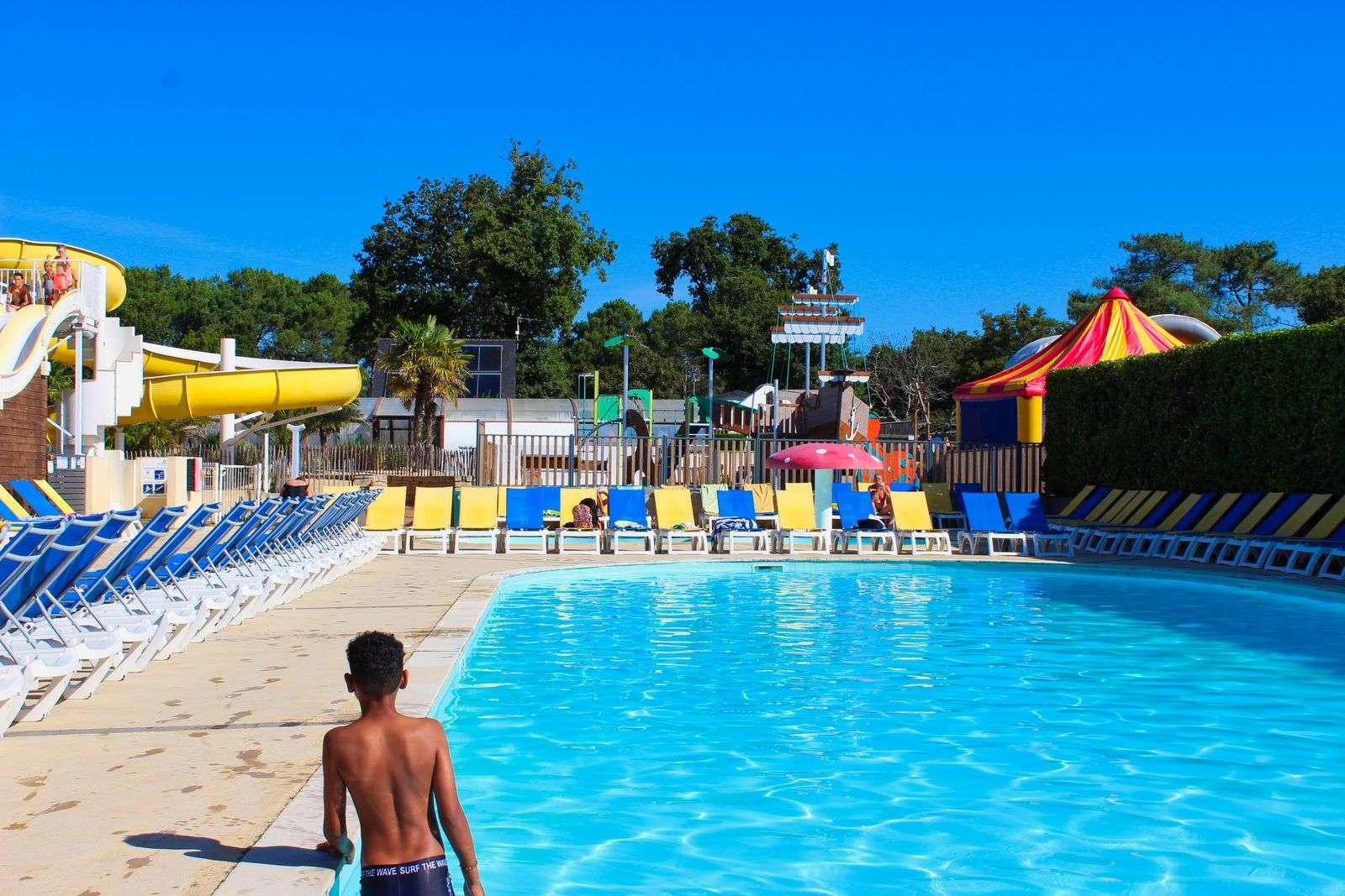piscine_toboggan_hebergement_camping-le-moustoir_carnac