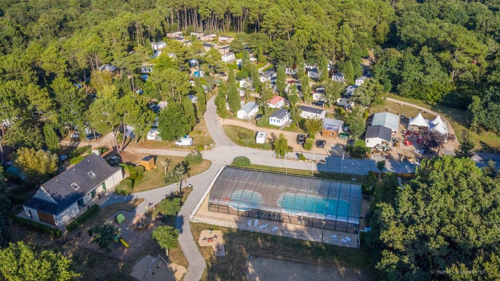 vue aérienne camping Saint Laurent à Ploemel